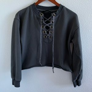 Storia Gray Lace Up Crop Pullover Sweatshirt | S